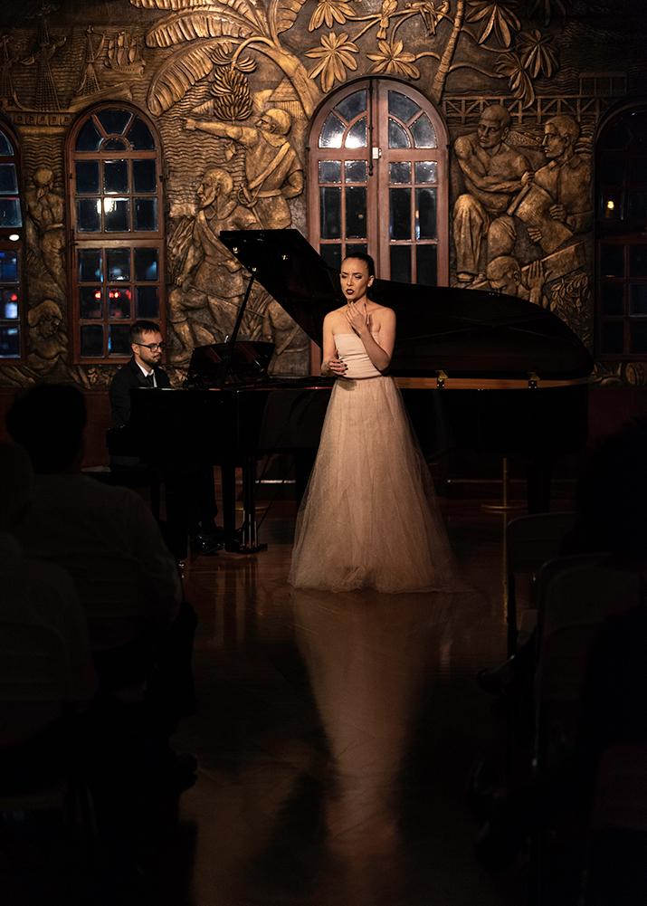soprano cantante lirica opera